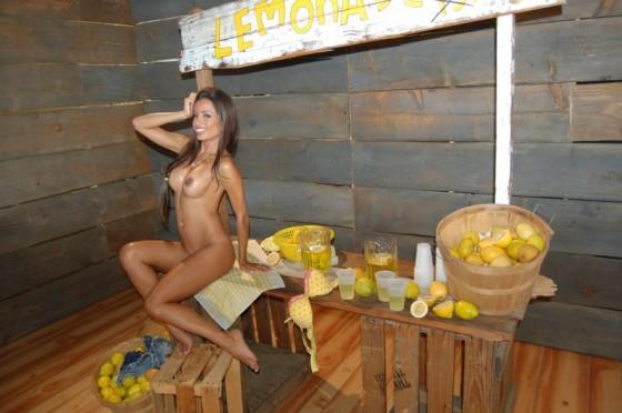 Lemonade stand porn
