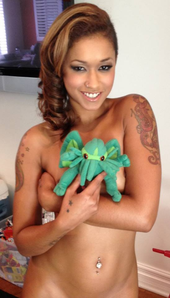 Skin Diamond's Mountains of Madness